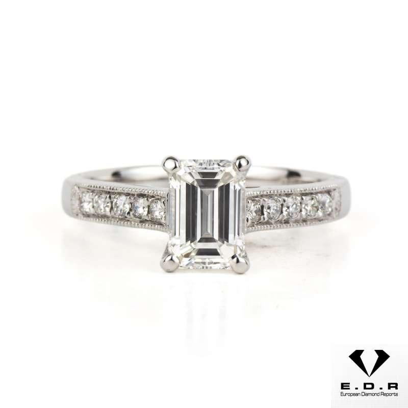 18k White Gold Emerald Cut Diamond 1.01ct E/VS1
